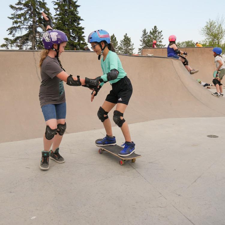 100 percent skateclub two kids skating